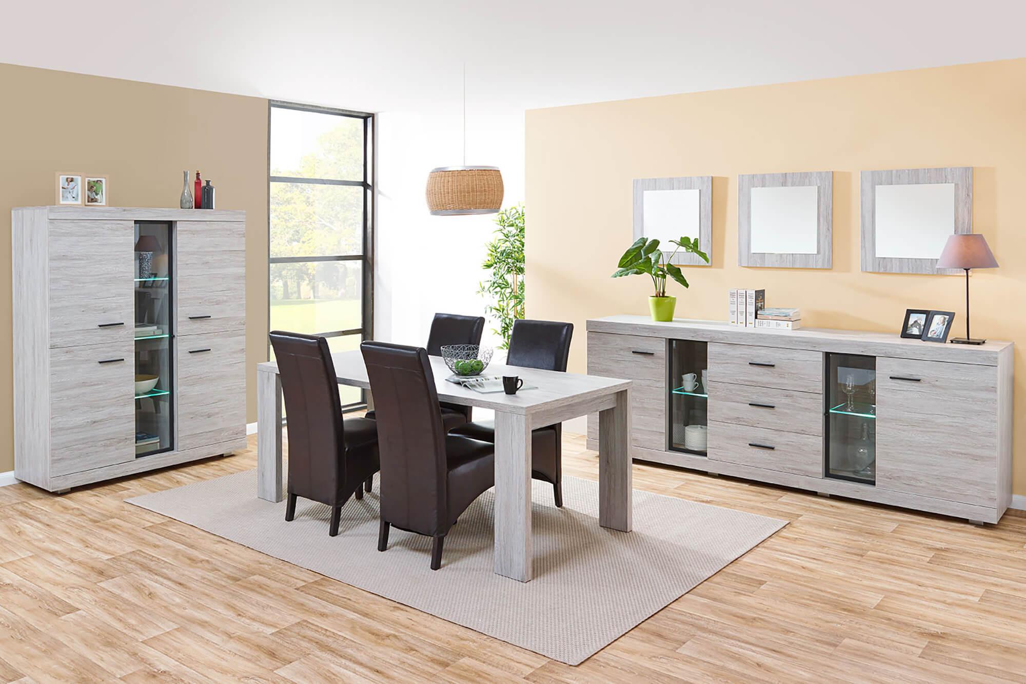 Eetkamer Jerry, tafel + dressoir + vitrine