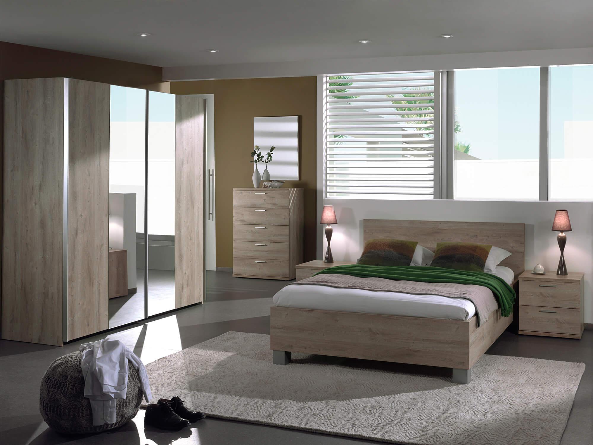 Slaapkamer Luna, bed 160x200 + 2 nachttafels + hoge kommode + kledingkast 250 cm